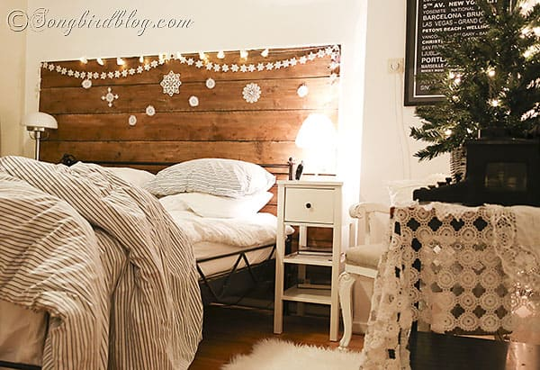 Ideas Inspirations View In Gallery Gorgeous Christmas Bedroom Decor Idea  With Rustic Beauty