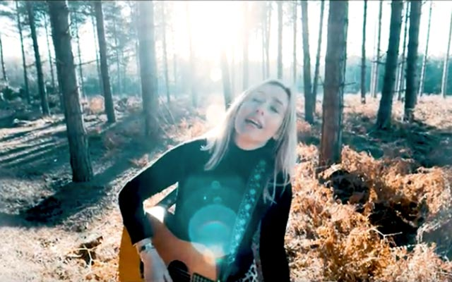 Lisa Redford 'Anything But Easy' music video