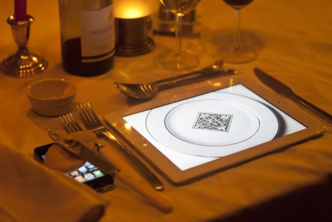 iPad 2 é prato em restaurante (Foto: Reprodução)