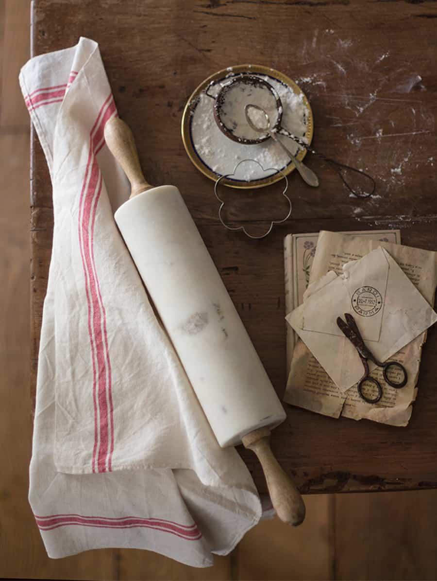 spianatoia in marmo per pasta