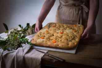 ricetta focaccia con verdure di stagione