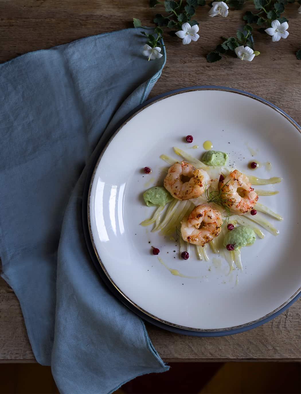ricette insalate con finocchi gamberoni avocado