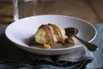 ricetta con patate e crema di radicchio