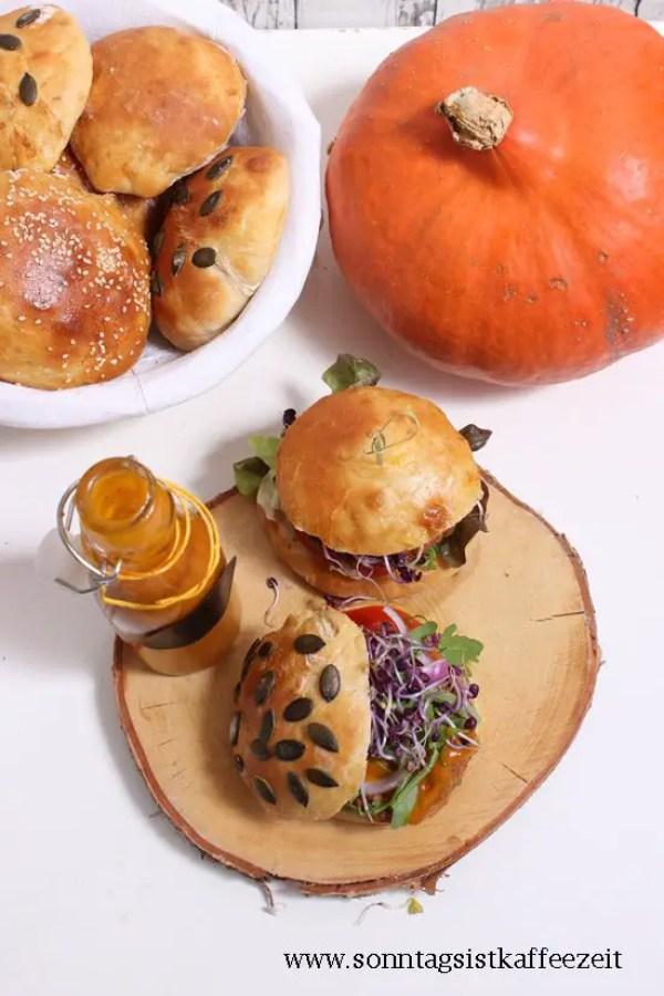Kürbis-Ketchup mit veganen Hamburger mit Rügenwalder Mühle