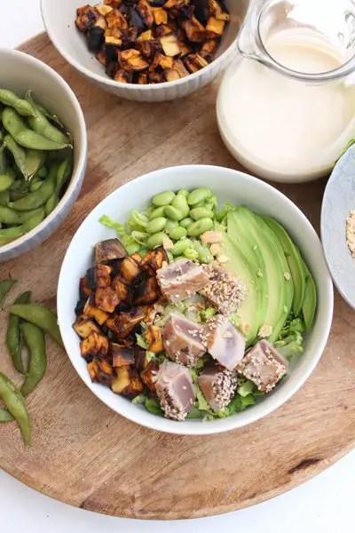 Avocado-Thunfisch-Edamame-Süßkartoffel Bowl
