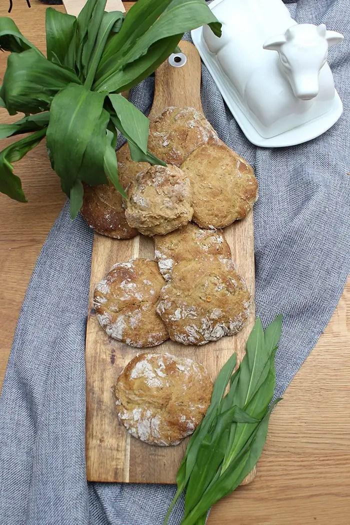Bärlauch Brötchen mit Roggen Rezept