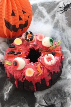 Halloween-Schokokuchen mit Zucchini