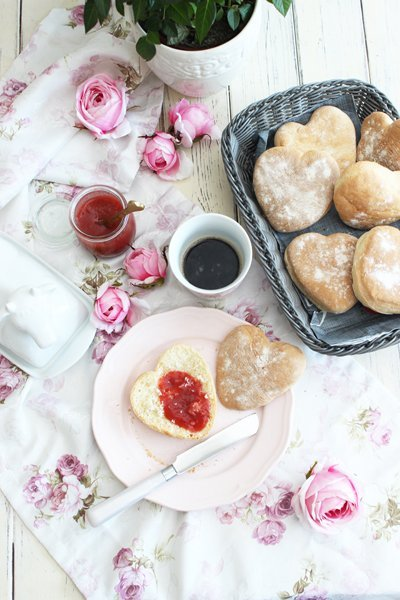 Joghurtbrötchen in Herzform | Schnell & Einfach gemacht