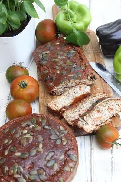 Tomaten-Paprika-Brot in zwei Varianten | Low Carb und klassisch