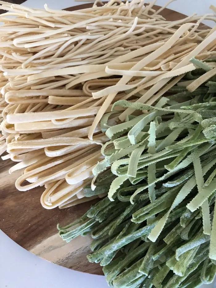 Tagliatelle mit Garnelen, Zucchini und Kirschtomaten mit der Pastamaschine von Tchibo