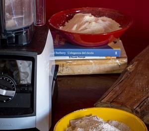 Filoncini di pane con farina di quinoa e sorgo macinate in casa