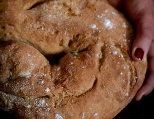 Pane di farina integrale e farina di segale