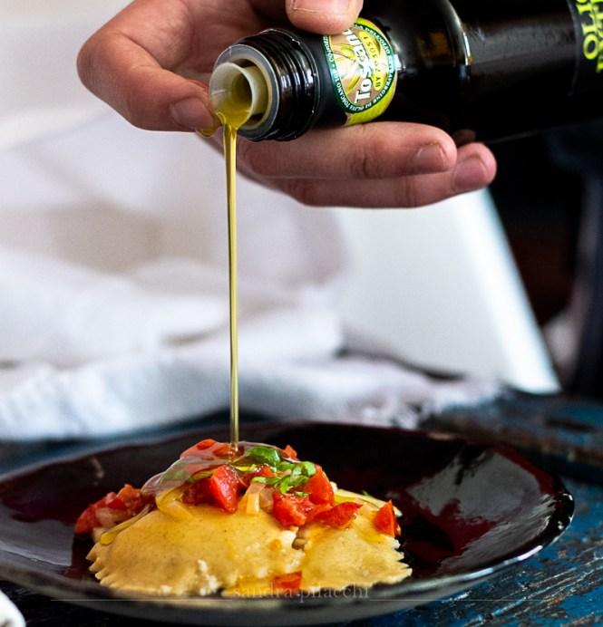Ravioli ripieni di stracciatella all'olio extra vergine IGP Toscano