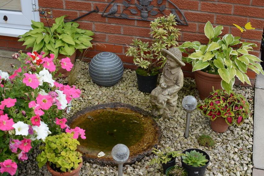 Novelty Garden Statues