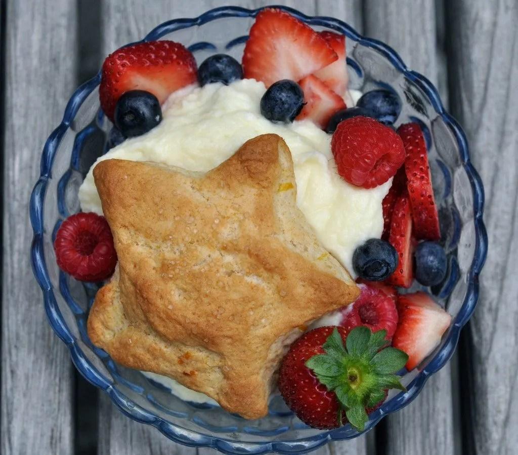 Lemon Shortbread with Berries