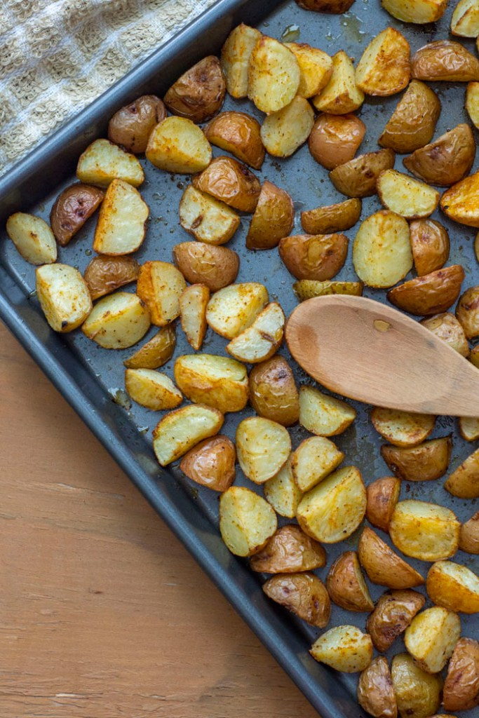 This image has an empty alt attribute; its file name is roasted-potatoes-05.jpg
