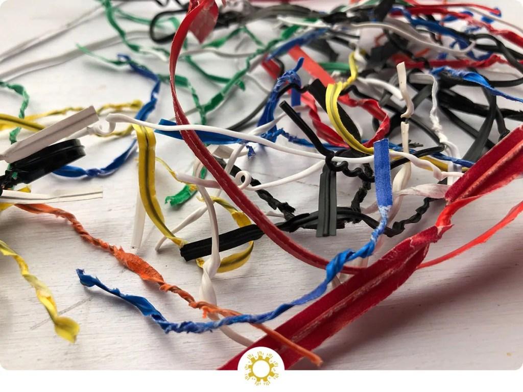 16 Ways to Reuse Twist-Ties
