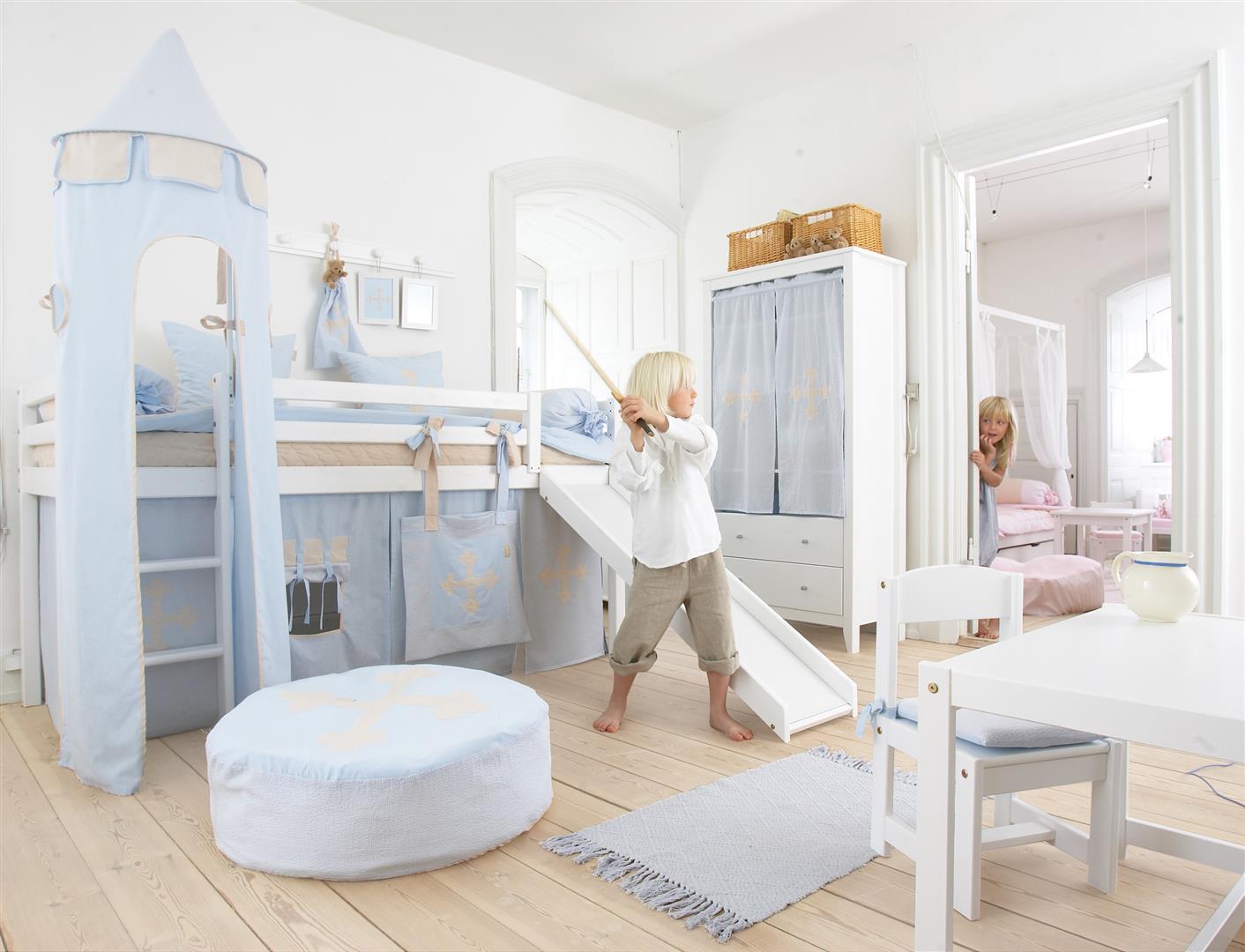 dormir dans un lit enfant toboggan