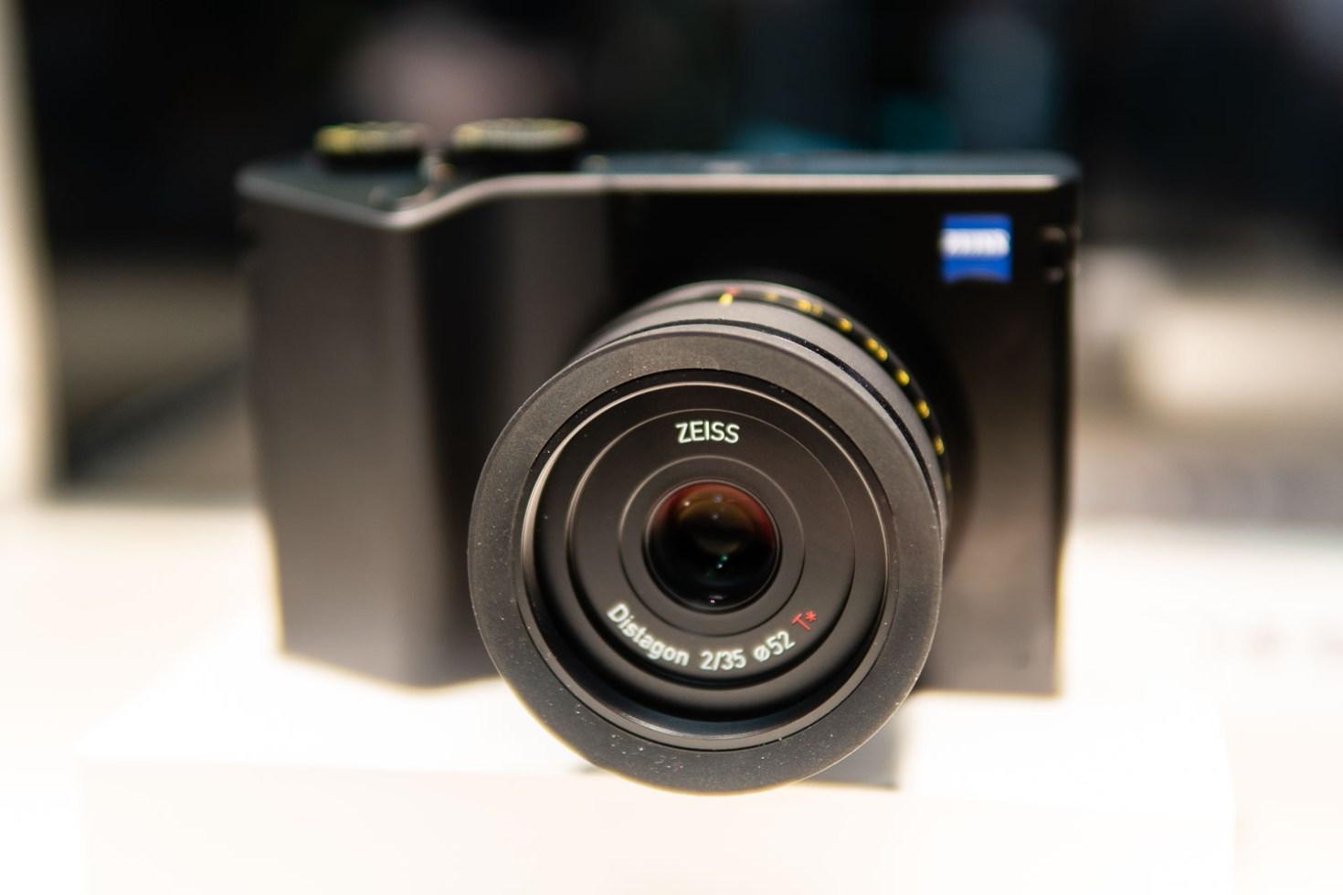 Sony A6500 w/ Sigma 30mm f/1.4 DC DN Lens
