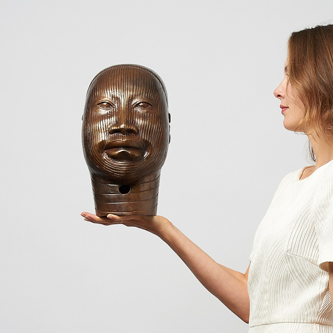 African oni queen in bronze