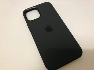 iPhone12Proのシリコーンケース(ブラック)が届いたので紹介