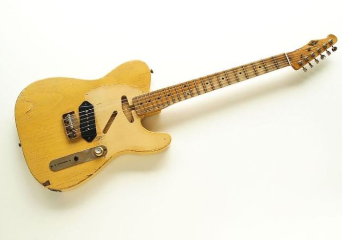 楽器屋でRS GuitarworksのWORKHORSEっぽいギターを自作する計画を相談してきた