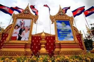 Independence Monument, Phnom Penh, Cambodia, June 17, 2015 (photo by Flickr user phalinn licensed under the Creative Commons Attribution 2.0 Generic license).