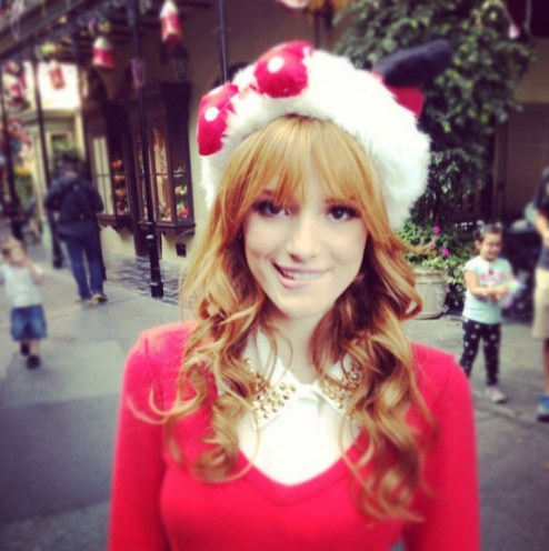 bella-thorne-minnie-christmas-hat-nov-3-2012