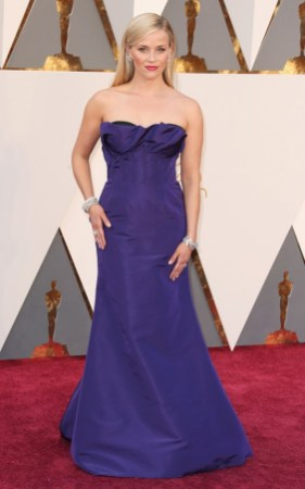 the-oscars-red-carpet-looks-everyone-is-talking-about-1677251-1456708426.640x0c