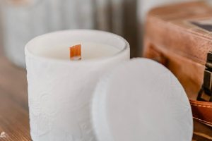 limited edition matte white spring print wood wick candle