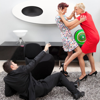 rp_women-fighting-over-man.jpg
