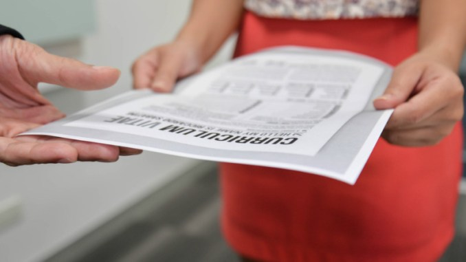 7 Fail Proof Tips On Writing A Resume With Little To No Job Experience Learn how to make a professional Resume when you have no experience. These are great tips and ideas for college students and professionals that are just starting out.