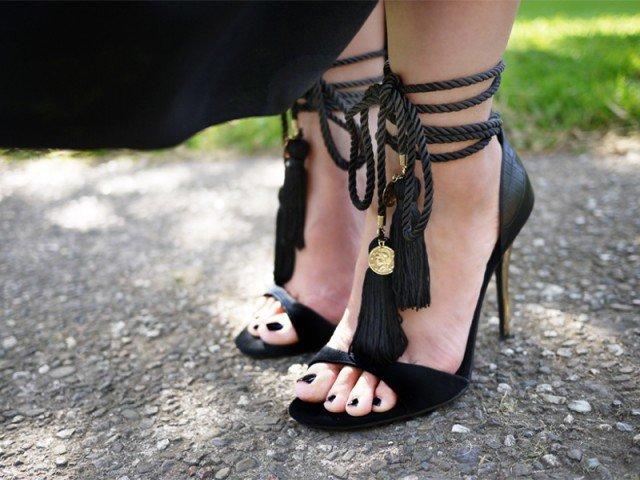 DIY clothes life hacks 15 DIY ideas #11 DIY Tassel Sandals