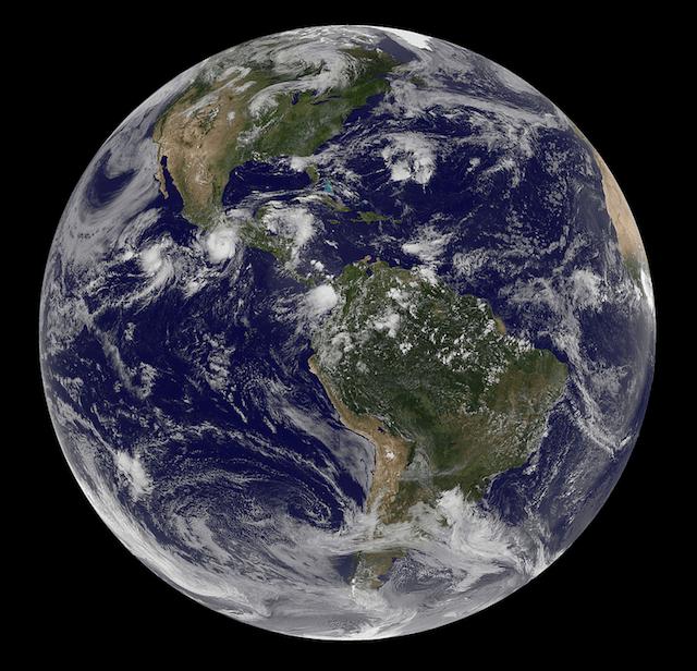 Huracán Carlotta desde el espacio en costas mexicanas