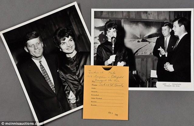 Jackie y John en la campaña de Reelección de Jack Kennedy, 1958.