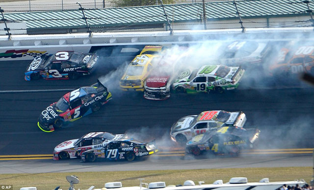 Accidente-NASCAR-Daytona-1