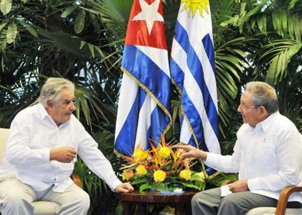 Uruguay-Mujica-Cuba-Castro-AFP