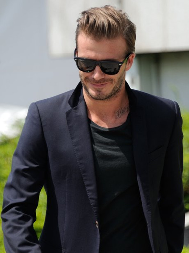 david-beckham-in-sunglasses-1372414281-view-1