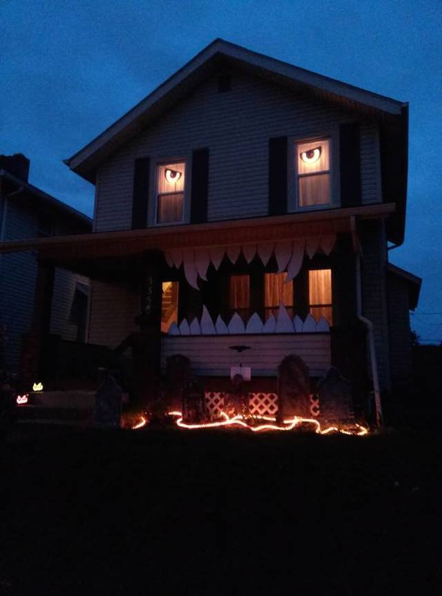 Halloween-House-17