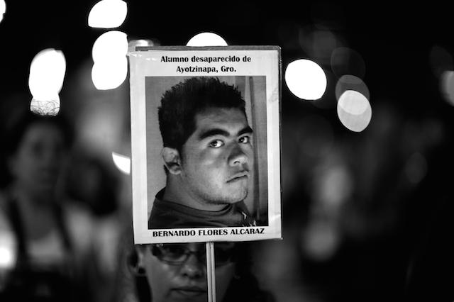 Luz_Ayotzinapa_Santiago_Arau10