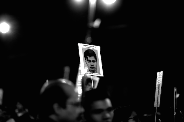 Luz_Ayotzinapa_Santiago_Arau32
