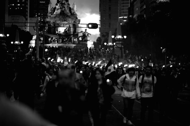 Luz_Ayotzinapa_Santiago_Arau8