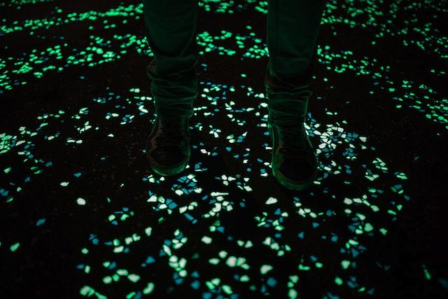 van-gogh-starry-night-glowing-bike-path-daan-roosengaarde-8