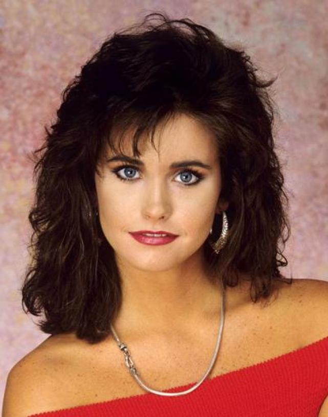 Courteney-Cox-1990