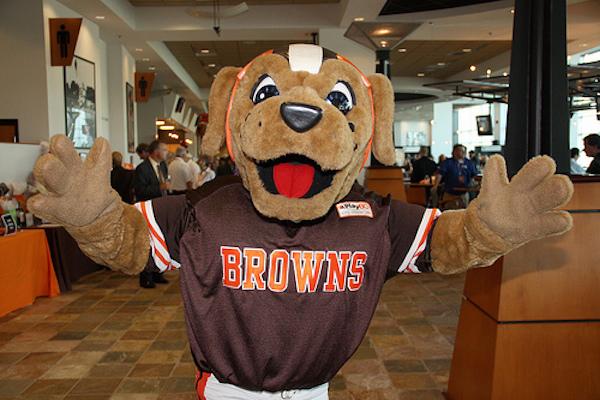 DogwPound-ClevelandBrowns-Mascotas-NFL