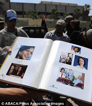 Gadafi tiene un crush con Condoleezza Rice