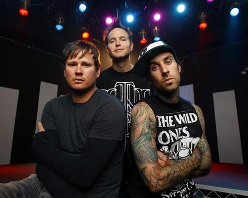 Aquí el nuevo video de Blink-182,