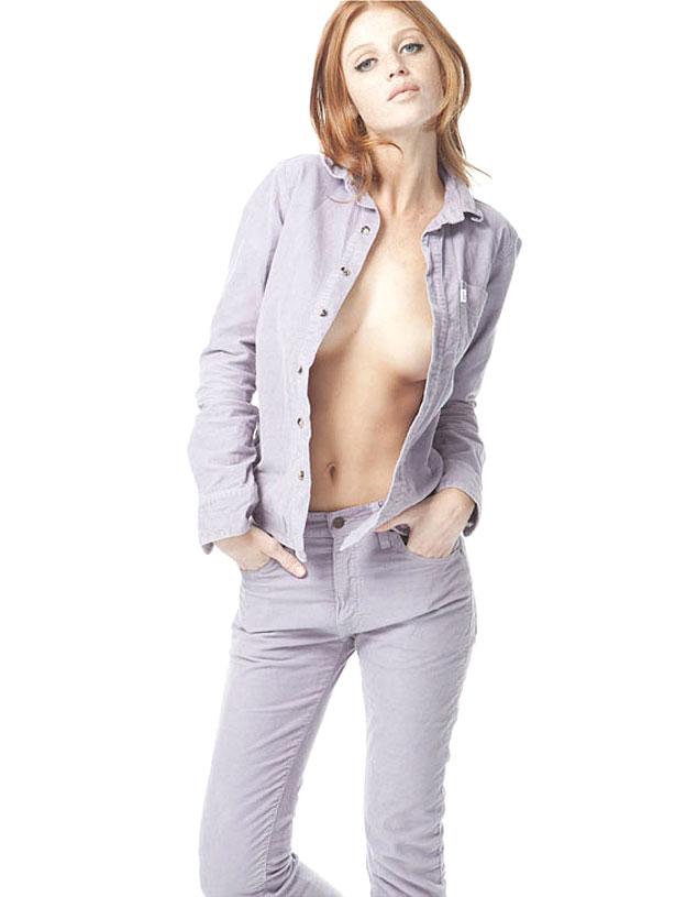Cintia-Dicker-Topless-Pictures-31