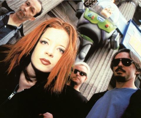 Escucha el cover que Garbage le hizo a U2