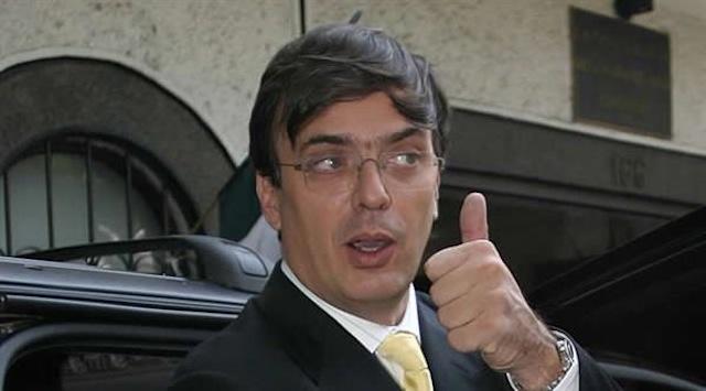 Y en la imagen del día.... ¿Por qué tan despeinado, Señor Marcelo?